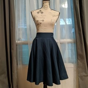 Dresses & Skirts - Korean Dark Green Midi Skirt